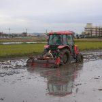 水を入れての耕起は代掻きに。